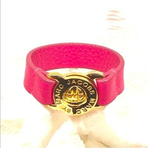 Marc by Marc Jacobs Turnlock Bracelet Pink + Gold